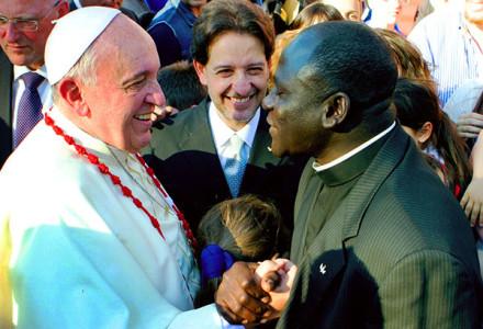 Le Pape François reçoit le père Emmanuel AMADOU